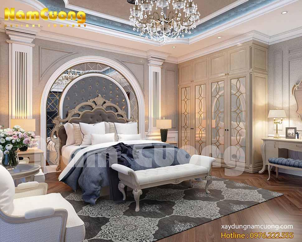 KTS đã đưa ra những gam màu trung tính, dễ phối làm chủ đạo trong phòng ngủ của ngôi biệt thự tân cổ điển 2 mặt tiền