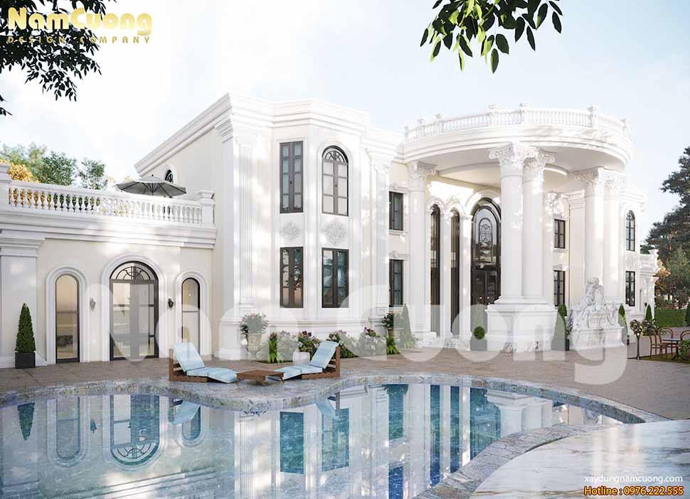 bể bơi phía trước ngôi biệt thự