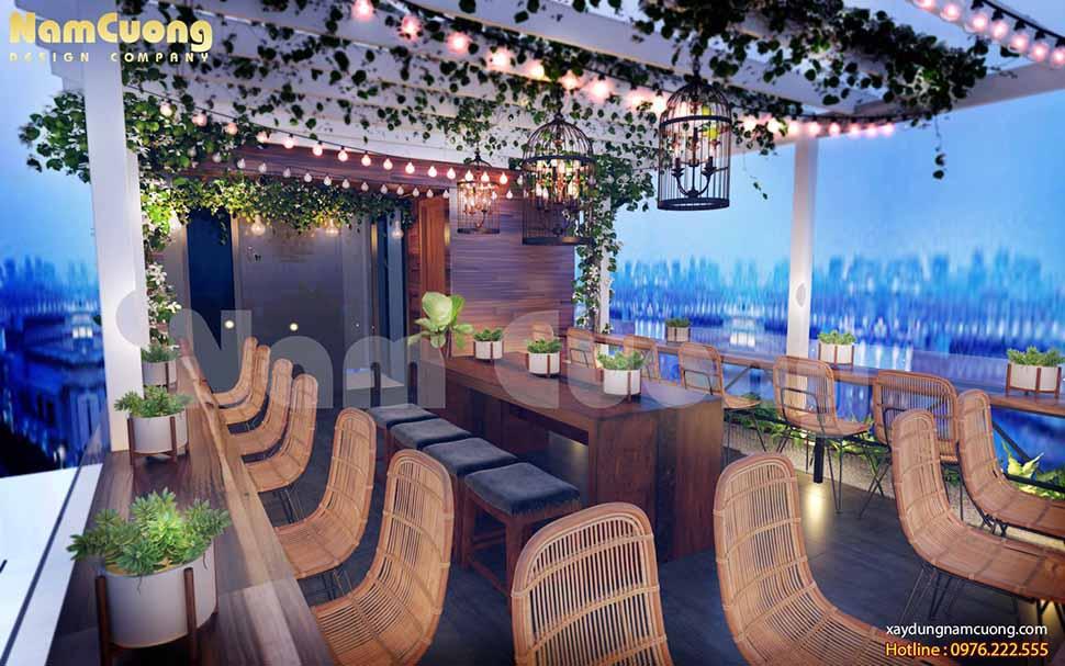 Góc sân thượng rất nên thơ, khách hàng có thể phóng tầm mắt để nhìn cả thành phố