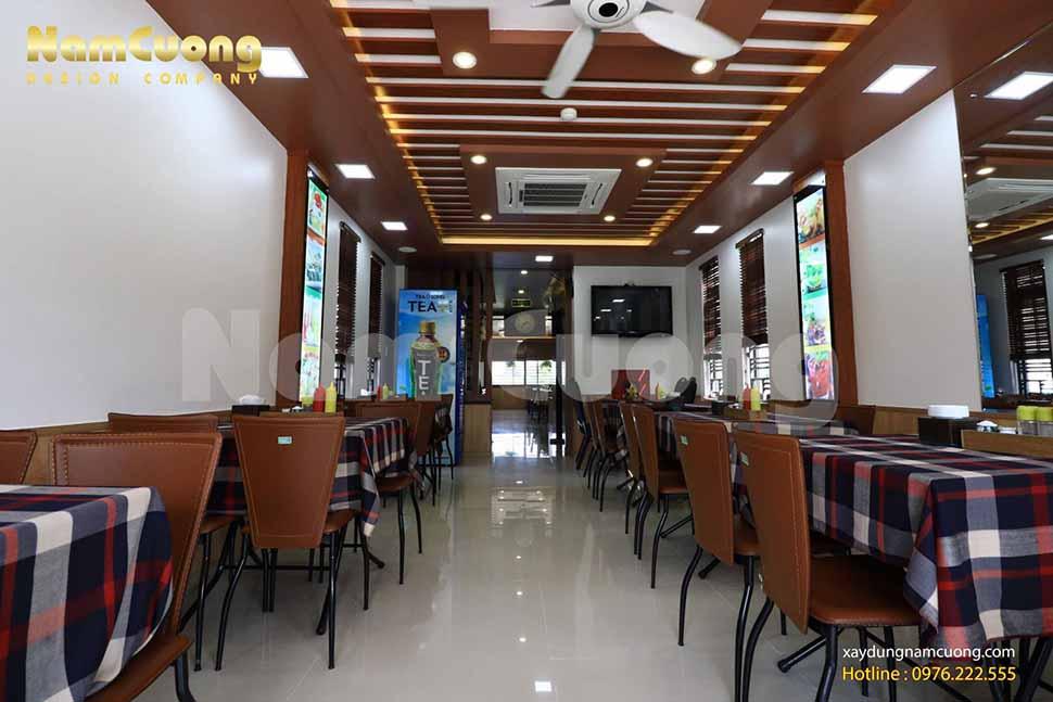 Nội thất được thiết kế đơn giản theo phong cách hiện đại tại tầng 2 của công trình