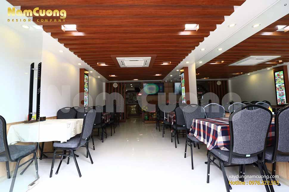 Nội thất tầng 1 của công trình nhà hàng phong cách hiện đại