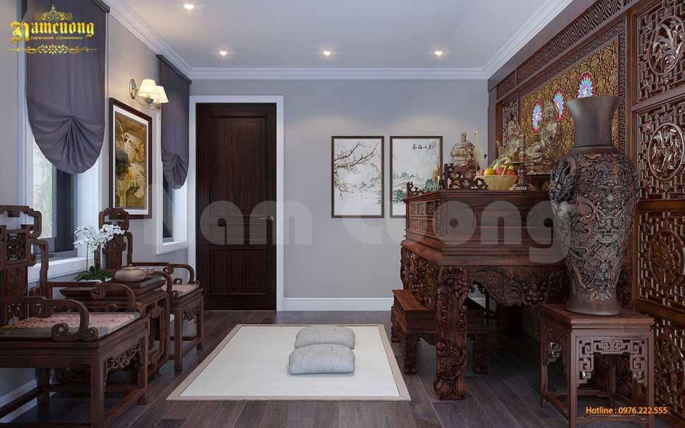 Mẫu phòng thờ đẹp với bàn thờ, ghế, bình hoa, vách bằng gỗ được điêu khắc tỉ mỉ sang trọng