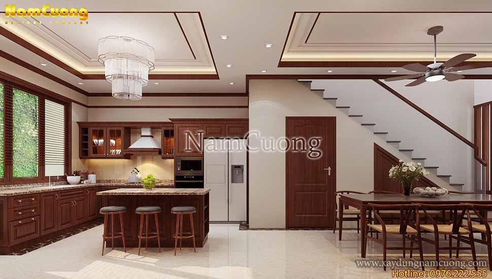 phòng bếp có nội thất bằng gõ