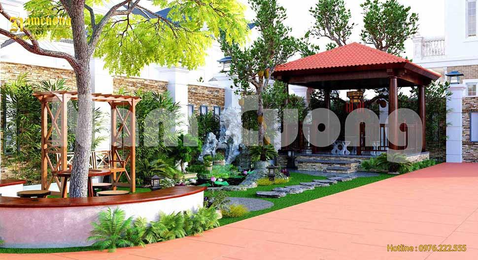 Khu vườn được bố trí hài hòa giữa cây cối, hòn non bộ, hồ nước, bàn trà, sân cỏ, xích đu mang đến cảm giác dễ chịu, thoải mái cho các thành viên trong gia đình